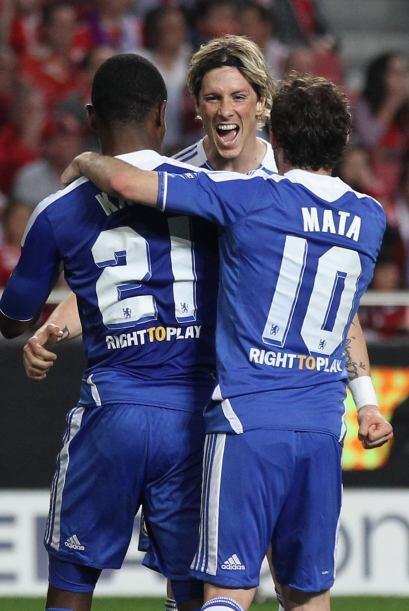 Todos los 'Blues' corrieron a felicitar a Torres, quien desbordó como fi...
