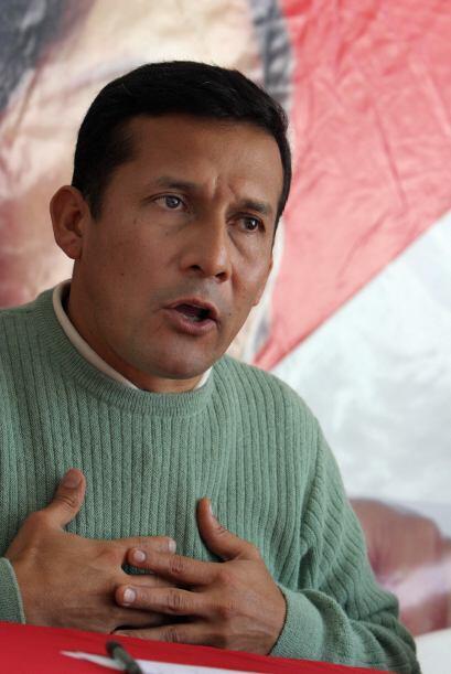 El político izquierdista Ollanta Humala registró oficialmente su candida...