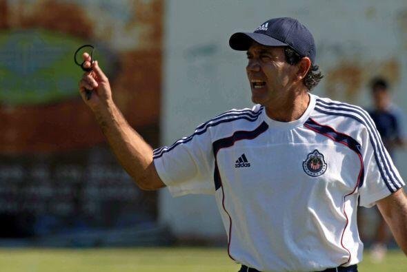 Incluso en el Clausura 2012 Jorge Vergara se dio el lujo de cortar la ca...