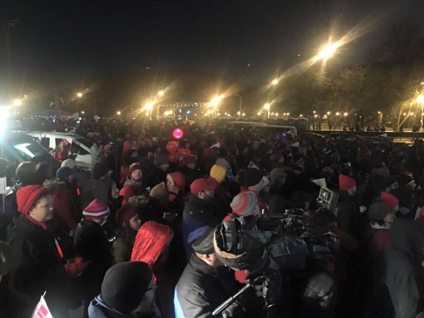 Miles de maestros de CTU realizaron protesta en Grant Park contra recort...