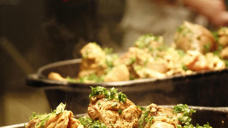 Pollo con okra y arroz