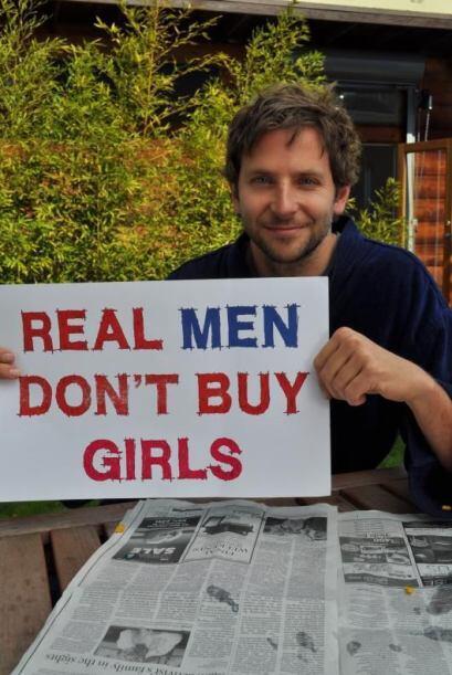 """Bradley Cooper es otra de las celebridades que se unió al """"Real men don´..."""