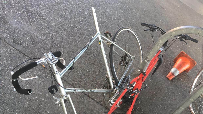 A las bicicletas abandonadas en estación Fruitvale del BART les faltan m...