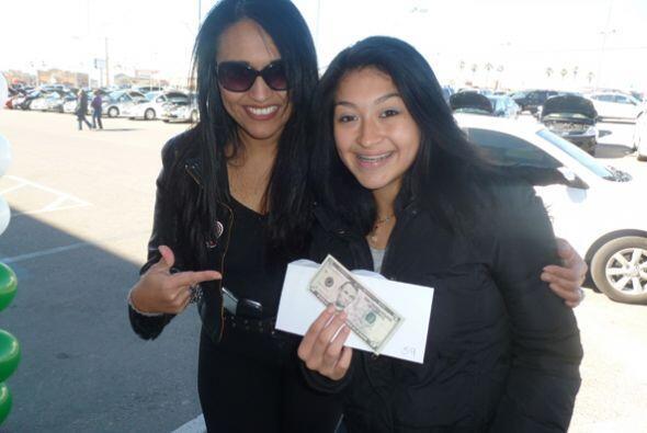 Acompaña a Diana Solís para que digas ¡Viva Cash!