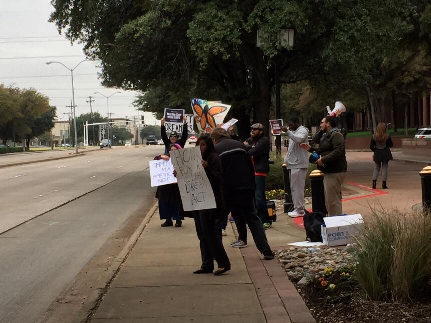 Activistas y jóvenes con DACA piden apoyo para el Dream Act img-0491.JPG