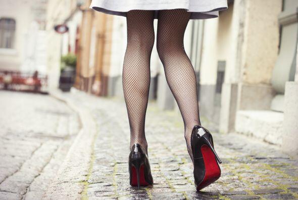 Cintura de avispa. Así como las faldas de Dior de finales de los años 40...