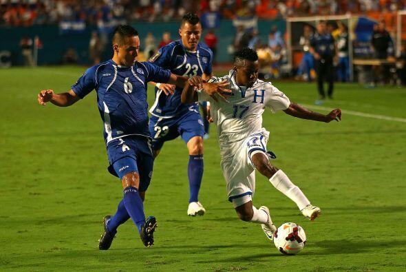 Minuto 91, Honduras y El Salvador empataban a cero, parecía que t...