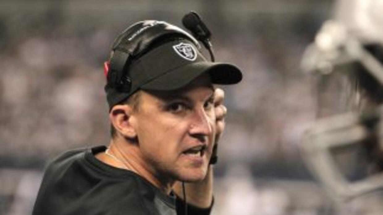 Dennis Allen regresará para una tercera temporada con unos Raiders aún n...