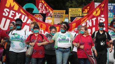 Trabajadores de McDonald's en Chicago se suman a la primera huelga nacional contra el acoso sexual