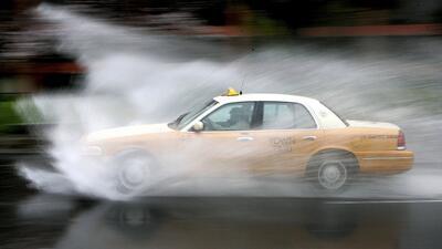 Reporte: Peligros por neumáticos gastados en pistas mojadas y como evitarlos