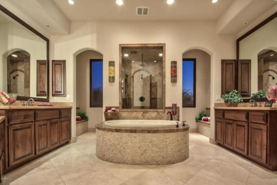 Dentro de la lujosa mansión de Sarah Palin en Arizona