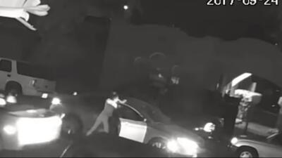 Un video muestra los instantes en que una mujer habría sido raptada en S...