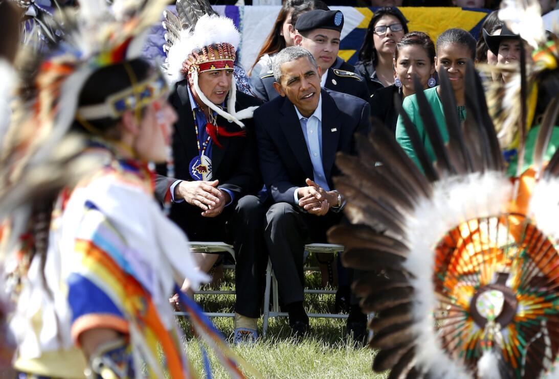 El presidente Obama hizo una visita a la reserva de los sioux en Dakota...
