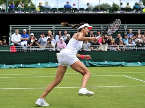 La hermosura de la serbia Ana Ivanovic atrae las miradas de los fan&aacu...
