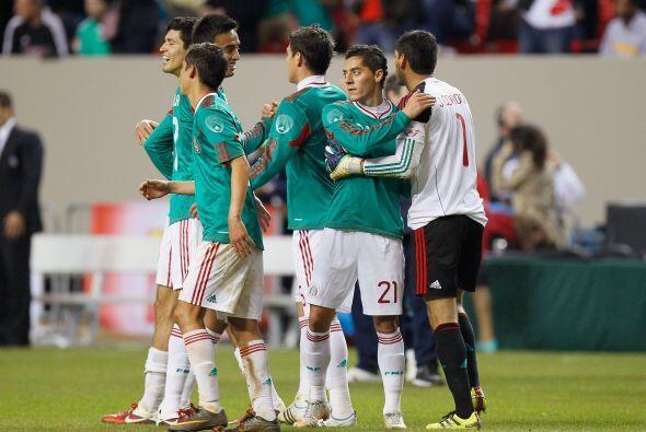 El trabajo colectivo del equipo mexicano bue muy bueno para haber entren...
