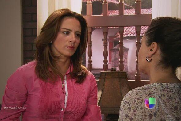 Ella no quiere que Luzma se preocupe, no quiere que sepa que su madre po...