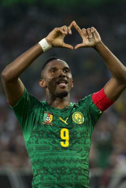 Samuel Eto'o acaba de firmar con el Everton de Inglaterra luego de que s...
