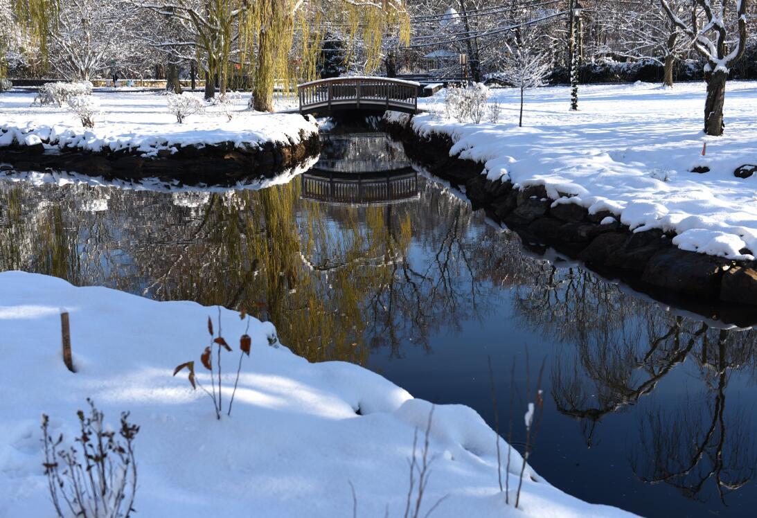 Binney Park, en Connecticut, totalmente cubierto de nieve, tras la últim...