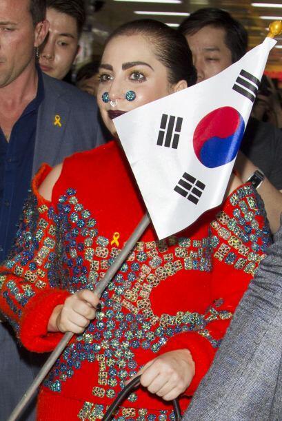 La cantante también portó una bandera del país, detalle que seguro encan...