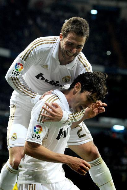 El 'Pipita' mandó el balón a dormir tras un gran pase de Kaká, a quien a...