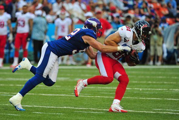 Nueve jugadores de los Texans estuvieron en el clásico juego Pro Bowl en...