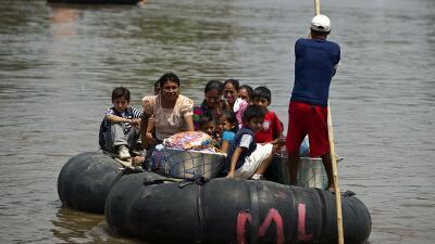 El flujo migratorio entre Guatemala y México es constante y por diversas...