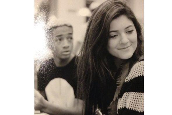 Pero la relación que existe entre Jaden y Kylie ha dado mucho de qué hab...