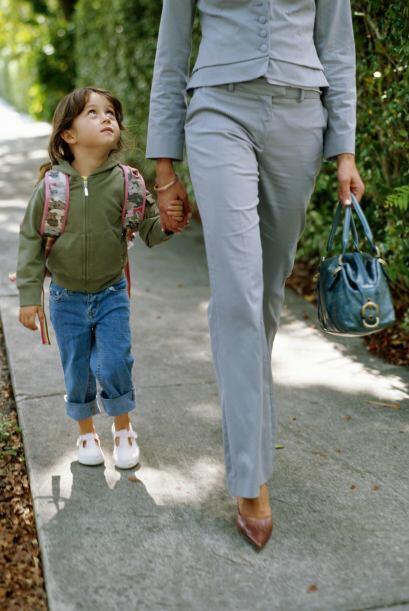 Ejemplos: Las mujeres 'alfa' son coherentes y si tienen hijos predican c...