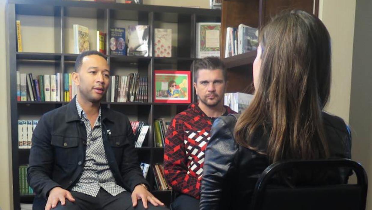 La autora entrevista a Legend y Juanes