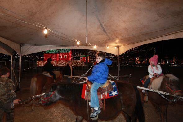 Una vez terminado el recorrido, los pequeños vaqueros pueden montar a ca...