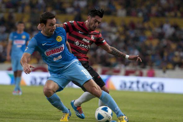 Luis Gabriel Rey.- El 'Canguro' anotó los dos goles de un América que tu...