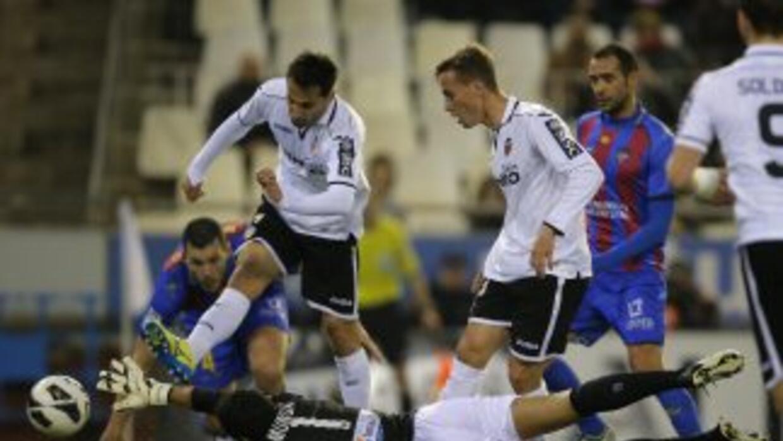 Valencia tuvo opciones de ganar al Levante pero al final cedió un empate.