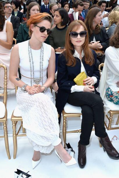 ¡Kristen Stewart e Isabelle Huppert no dejaron que JLo. y Donatella fuer...
