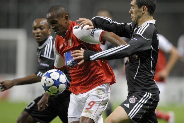 Finalmente, en duelo del Grupo H, el Braga portugués enfrentó al Partizá...