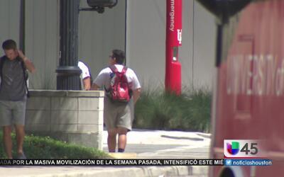 Deudas estudiantiles opacan las ventajas de tener un título universitario