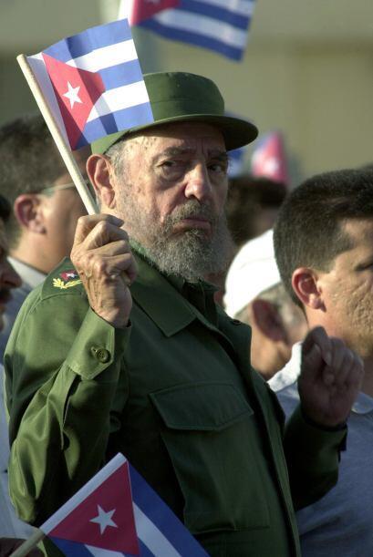 Tras casi 50 años en el poder, Fidel Castro se alejó de su...