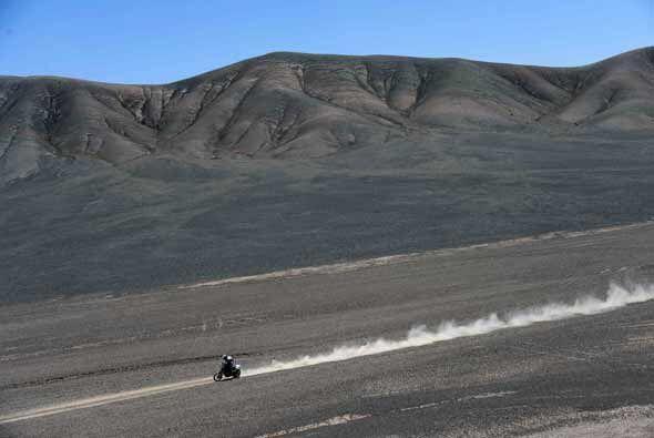 En motos el español Marc Coma le arrebató la primera posición a Cyril De...