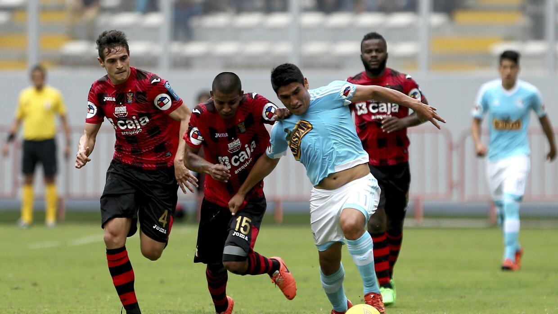 Sporting y Melgar igualan en final de ida