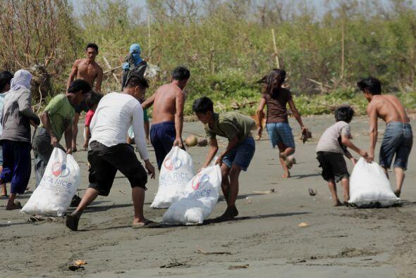 UNICEF estima que en el área por donde pasó el tifó...