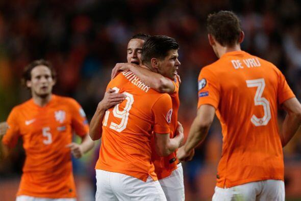 Holanda necesita hilvanar buenos resultados y otra victoria ante los azt...