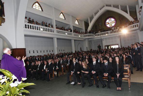 En la iglesia de San Pedro se llevó a cabo la misa para despedir...