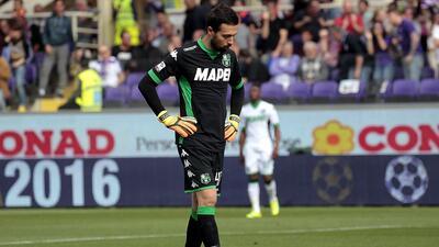 Increíble autogol del portero del Sassuolo en la Serie A