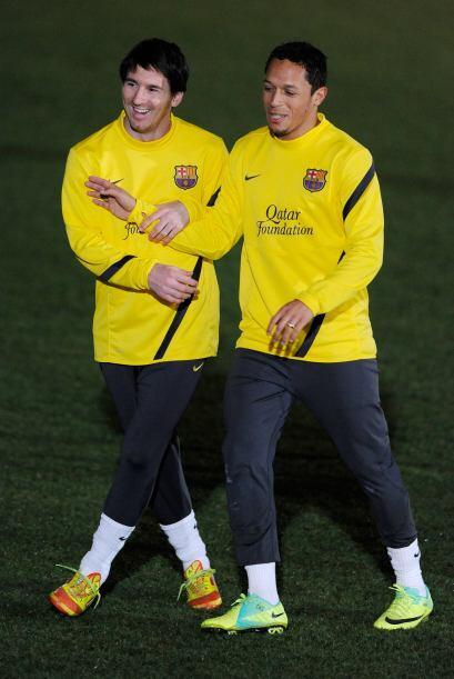 Las bromas no paraban entre los futbolistas, como aquí con Messi y Adriano.