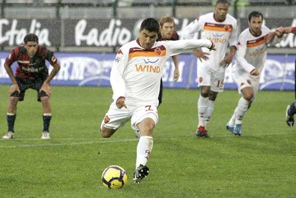 Por los latinoamericanos destacaron Pizarro, con gol para la Roma, David...