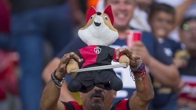 En fotos: Fanáticos de Atlas y Pumas en el Jalisco para el encuentro de la jornada 3