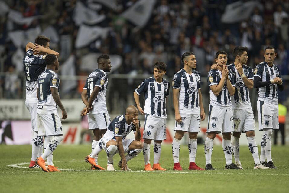 ¿Maldición? Avilés falló otro penal y Gallos eliminó a Monterrey 2018030...