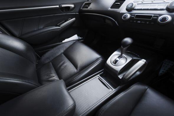 Un carro limpio, con alfombras y tapizados bien mantenidos, no sólo da u...