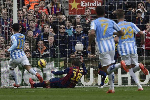 Un mal retrase de Alves le dio la oportunidad a Juanmi de anotar para el...
