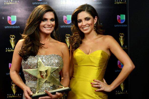 Bárbara, junto a la guapa y talentosa Pamela Silva-Conde, recibieron un...