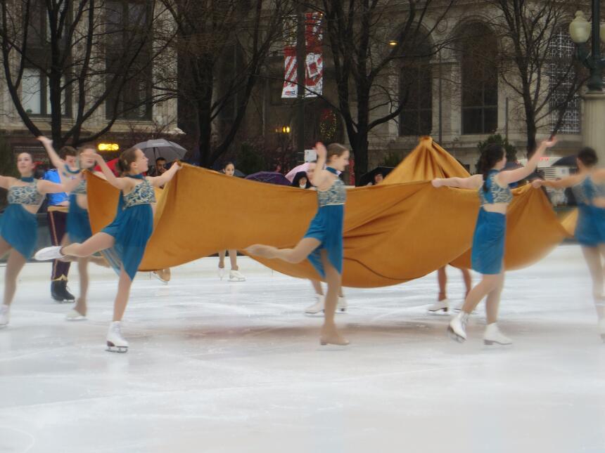 Patinaje sobre hielo en el Millennium Park